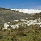 Barranco de Poqueira (Alpujarra). En primer término, Bubión y en segundo Capileira. Al fondo Sierra Nevada.